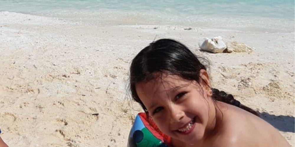 copil pe plaja