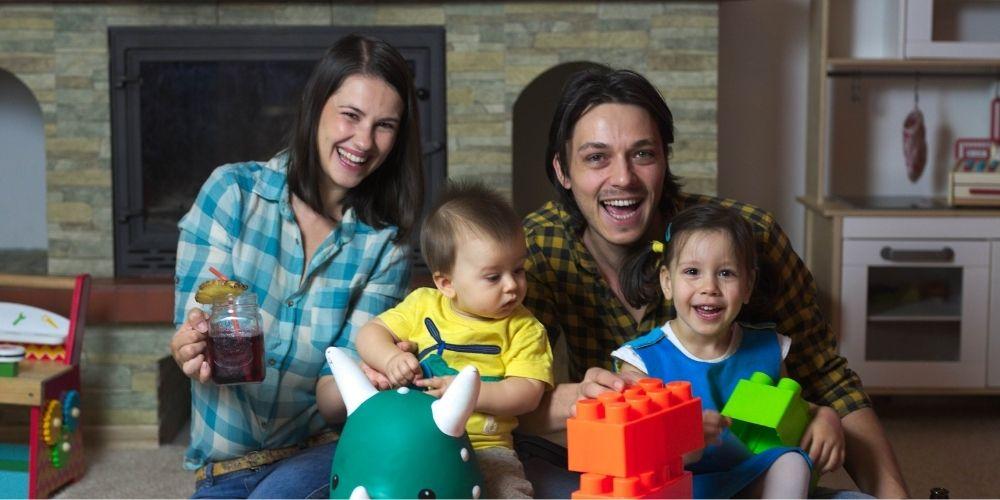 familie cu 2 copii